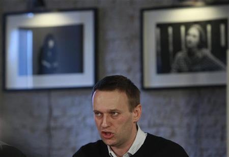 Opposition leader Alexei Navalny speaks during the first meeting of the Russian opposition Coordination Council in Moscow October 27, 2012. REUTERS/Sergei Karpukhin