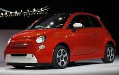 Un modello di Fiat 500. REUTERS/Mario Anzuoni