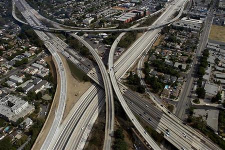 The empty 405 freeway looking southbound running underneath the 10 freeway is shown in this aerial photo in Los Angeles, California September 29, 2012.REUTERS/Gina Ferazzi /POOL