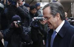 Greece's Prime Minister Antonis Samaras arrives at a European Union leaders summit in Brussels December 14, 2012. REUTERS/Francois Lenoir (BELGIUM - Tags: POLITICS BUSINESS)