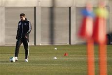 Frank Lampard, do Chelsea, participa de treino para o Mundial de Clubes em Yokohama, sul de Tóquio. Lampard, de 34 anos, disse que ainda pretende jogar por mais dois ou três anos, mas que esta pode ser sua última temporada no Chelsea. 14/12/2012 REUTERS/Kim Kyung-Hoon