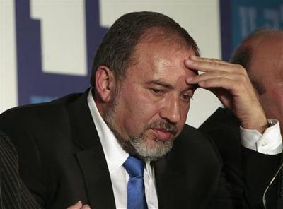 Israeli foreign minister quits after indictment