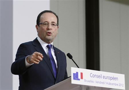 France's President Francois Hollande holds a news conference at the end of a European Union leaders summit, in Brussels December 14, 2012. REUTERS/Sebastien Pirlet