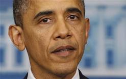 Presidente dos Estados Unidos Barack Obama se emocionou durante discurso após massacre em escola que deixou 26 mortos nos Estados Unidos. 14/12/2012. REUTERS/Larry Downing