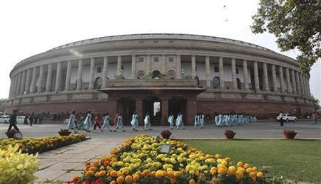 School children arrive to watch the proceedings of parliament in New Delhi December 7, 2012. REUTERS/Stringer
