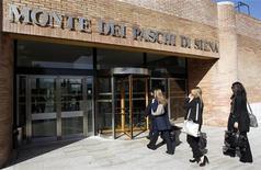 Monte dei Paschi di Siena terá que apresentar um plano de reestruturação dentro de seis meses. 27/04/2012 REUTERS/Max Rossi