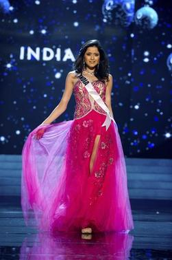 Miss India 2012 Shilpa Singh competes in an evening gown of her choice during the Evening Gown Competition of the 2012 Miss Universe Presentation Show in Las Vegas, Nevada, December 13, 2012. The Miss Universe 2012 pageant will be held on December 19 at the Planet Hollywood Resort and Casino in Las Vegas. REUTERS/Darren Decker/Miss Universe Organization L.P/Handout