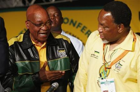 President Jacob Zuma (L) speaks with Deputy President Kgalema Motlanthe at the start of the 53rd National Conference of the ruling African National Congress (ANC) in Bloemfontein, December 16, 2012. REUTERS/Mike Hutchings