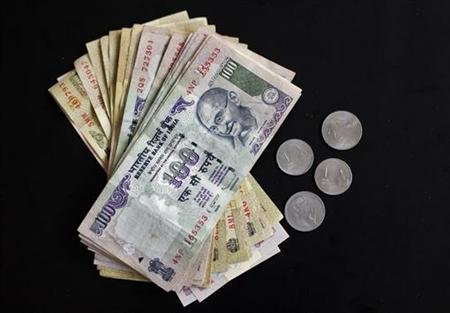 Rupee notes of different denominations are seen in this picture illustration taken in Mumbai April 30, 2012. REUTERS/Vivek Prakash/Files