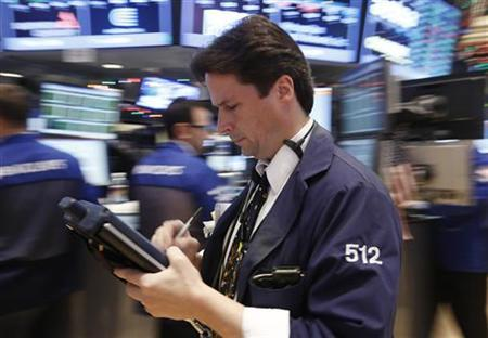 Traders work on the floor of the New York Stock Exchange, December 12, 2012. REUTERS/Brendan McDermid