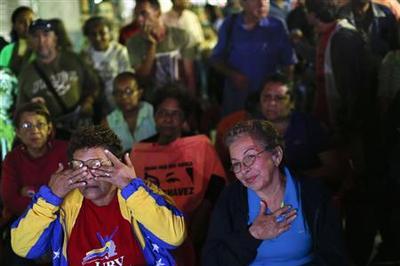 ''Chavez is life!'' - adulation in overdrive on Venezuel...