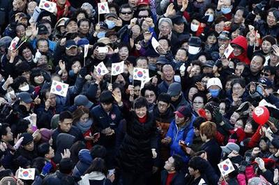 South Korea votes in tight race on economy and jobs