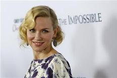 "Actress Naomi Watts arrives at the premiere of the movie ""The Impossible"" at Arclight Cinema in Hollywood, California December 10, 2012. REUTERS/Patrick T. Fallon"