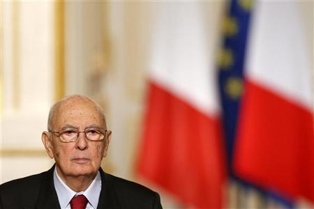 Italian President Giorgio Napolitano attends a joint news conference with French President after a meeting at the Elysee Palace in Paris, November 21, 2012. REUTERS/Benoit Tessier