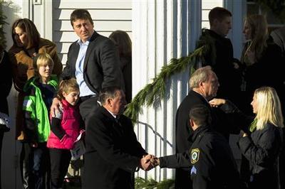White House readies gun-control plan as more children...