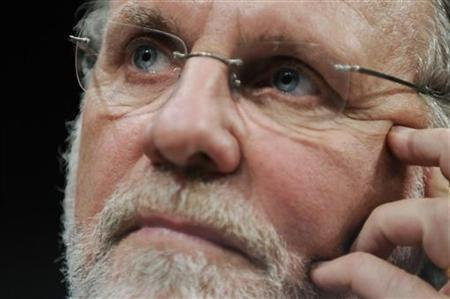 Former MF Global CEO Jon Corzine testifies before a House Financial Services Committee Oversight and Investigations Subcommittee hearing on the collapse of MF Global, at the U.S. Capitol in Washington, December 15, 2011. REUTERS/Jonathan Ernst