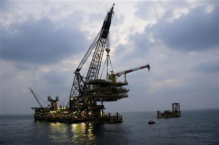 An offshore platform of Aramco's Karan non-associated gas field is seen in Saudi Arabia's territorial waters in this undated handout picture. REUTERS/Saudi Aramco/Handout