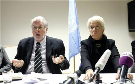 Chairman of the United Nations Commission of Inquiry on Syria Paulo Pinheiro and member Carla del Ponte (R) address a joint news conference in Brussels December 20, 2012. REUTERS/Francois Lenoir (BELGIUM - Tags: POLITICS CONFLICT)
