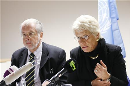 Chairman of the United Nations Commission of Inquiry on Syria Paulo Pinheiro and member Carla del Ponte (R) address a joint news conference in Brussels December 20, 2012. REUTERS/Francois Lenoir