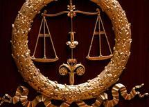 La cour d'assises du Val-de-Marne a confirmé jeudi la condamnation à 15 ans de réclusion du médecin allemand Dieter Krombach, accusé d'avoir provoqué la mort d'une adolescente française en 1982 en Bavière. /Photo d'archives/REUTERS/Charles Platiau