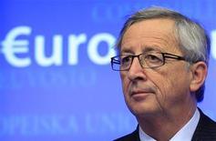 Une sortie de crise n'est toujours pas en vue pour la zone euro mais un pic a été franchi, a estimé vendredi Jean-Claude Juncker, président de l'Eurogroupe, interrogé sur la radio allemande Deutschlandfunk. /Photo prise le 13 décembre 2012/REUTERS/Yves Herman