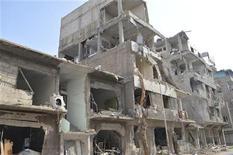 Palazzi distrutti nei pressi di Damasco. REUTERS/Karm Seif/Shaam News Network/Handout