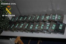 La Guardia Civil y la Policía Nacional Francesa han detenido a los jefes de las mafias marsellesa y corsa, según anunció el viernes el Ministerio del Interior en un comunicado. En esta imagen sin fecha proporcionada por la Guardia Civil, material incautado en uan operación contra la mafia marsellesa y corsa, proporcionada a Reuters el 21 de diciembre de 2012. REUTERS/Handout-Ministerio del Interior ESTA IMAGEN HA SIDO PROPORCIONADA POR UN TERCERO. REUTERS LA DISTRIBUYE, EXACTAMENTE COMO LA RECIBIÓ, COMO UN SERVICIO A SUS CLIENTES.