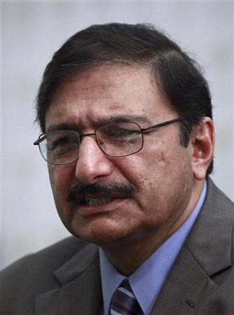 Pakistan Cricket Board chairman Zaka Ashraf speaks during a news conference in Lahore April 18, 2012. REUTERS/Mohsin Raza/Files