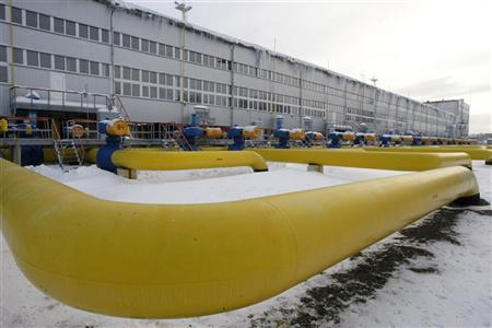 Pipes are seen at a gas compressor station in the village of Boyarka, outside Kiev, December 19, 2012. REUTERS/Anatolii Stepanov