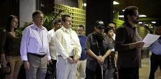 Imagen de archivo del jefe negociador de las FARC, Iván Márquéz, durante una conferencia de prensa en La Habana, dic 18 2012. El Gobierno colombiano y la guerrilla de las FARC dijeron el viernes que avanzaron en la discusión del clave tema agrario, el primero de los cinco puntos del diálogo de paz con el que buscan poner fin a cinco décadas de conflicto armado, aunque el jefe negociador de Bogotá aclaró que quedan muchos retos por delante. REUTERS/Enrique De La Osa