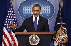 """El presidente de Estados Unidos Barack Obama habla sobre el """"abismo fiscal"""" en la Casa Blanca en Washington. 21 de diciembre, 2012. REUTERS/Kevin Lamarque (ESTADOS UNIDOS - POLITICA NEGOCIOS)"""
