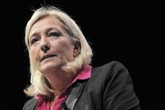 """Marine Le Pen s'est imposée en 2012 comme un acteur incontournable de la vie politique française, même si elle n'est pas parvenue à briser le """"plafond de verre"""" lui permettant d'aspirer au pouvoir, un objectif qu'elle revendique crânement./Photo prise le 23 septembre 2012/REUTERS/Stéphane Mahé"""