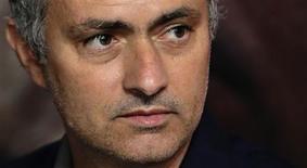 José Mourinho ha devuelto al Real Madrid a la élite del fútbol mundial, pero el impacto negativo sobre la imagen del club del combativo y controvertido técnico portugués amenaza con dejar un legado dañino si su proyecto acaba por fracasar. En la imagen, de 14 de junio, el técnico madridista José Mourinho. REUTERS/Tim Chong