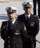 Salvatore Girone e Massimiliano Latorre al loro arrivo a Ciampino. REUTERS/Alessandro Bianchi