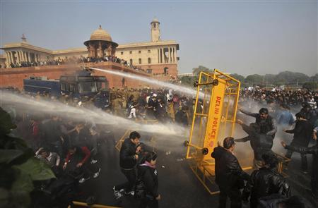 Police use water cannons to disperse demonstrators near the presidential palace during a protest rally in New Delhi December 22, 2012. REUTERS/Adnan Abidi