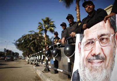 Egyptians back new constitution in referendum
