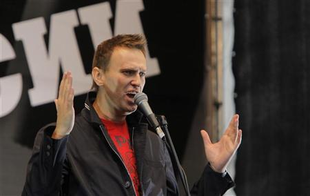 Prominent anti-corruption blogger and opposition leader Alexei Navalny addresses supporters during the ''March of Millions'' protest rally in Moscow, September 15, 2012. REUTERS/Maxim Shemetov