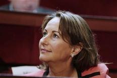 """Les proches de Ségolène Royal multiplient les appels à trouver une """"place"""" dans le dispositif gouvernemental pour la candidate à l'élection présidentielle de 2007. /Photo prise le 9 juillet 2012/REUTERS/Kenzo Tribouillard/Pool"""