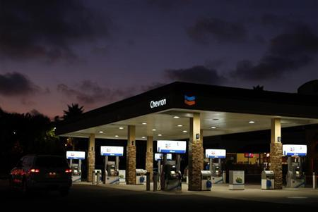 A Chevron gas station is pictured in Encinitas, California July 28, 2011. REUTERS/Mike Blake
