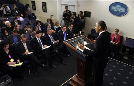 U.S. President Barack Obama speaks about the fiscal cliff in the briefing room of the White House in Washington December 21, 2012. REUTERS/Kevin Lamarque