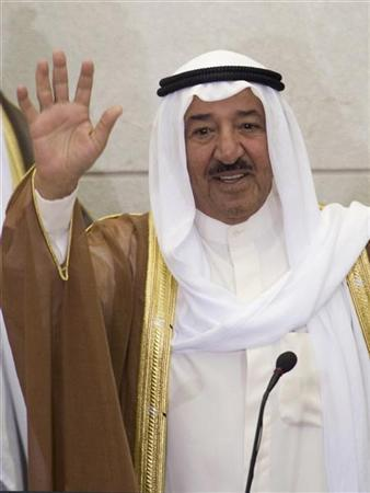 Kuwait's Emir Sheikh Sabah al-Ahmed al-Sabah waves as he enters the National Assembly to open the first session of the 12th National Assembly in Kuwait City June 1, 2008. REUTERS/Stephanie McGehee