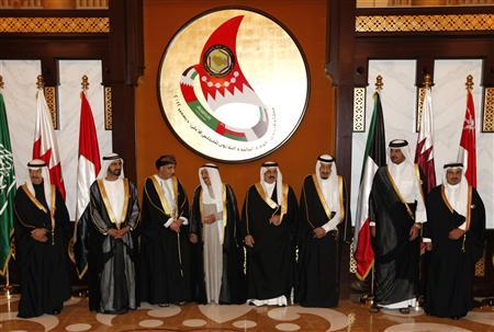 Dignitaries pose for a group photo prior to the start of the Gulf Cooperation Council (GCC) Summit at Sakhir Palace in Sakhir south of Manama, Bahrain, December 24, 2012. (From L-R) Bahrain's Prime Minister Prince Khalifa bin Salman al-Khalifa, Emirates' Vice President Sheikh Mohammed bin Rashid al-Maqtoom, Deputy Premier of Omani Cabinet Affairs Fahd Bin Humoud Al Saieed, Emir of Kuwait Sheikh Sabah al Ahmed, King of Bahrain Hamad bin Isa al Khalifa, Saudi Crown Prince Salman al Saud, Qatari Crown Prince Sheikh Tameem bin Hamad al Thani and Bahrain Crown Prince Prince Salman bin Hamad al-Khalifa. REUTERS/Hamad I Mohammed