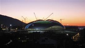 Vista geral do Bolshoy Ice Dome no Parque Olímpico que será usado para os Jogos Olímpicos de Inverno em 2014, em Sochi, Rússia. A explosão de uma tubulação de gás seguida de um pequeno terremoto atingiu a cidade russa de Sochi, no Mar Negro, sede da Olimpíada de Inverno de 2014 8/12/2012 REUTERS/Peter Jebautzke