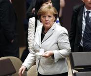 Foto de archivo de la canciller alemana, Angela Merkel, durante la cumbre de la OTAN en Chicago, EEUU, mayo 21 2012. Los conservadores que apoyan a la canciller alemana Angela Merkel han conseguido su mejor nivel de aprobación en las encuestas en casi siete años, pero no podrán dar continuidad a su coalición de centro-derecha con el alicaído Partido Democrático Liberal (FDP), de acuerdo a un sondeo revelado el miércoles. REUTERS/Jim Young