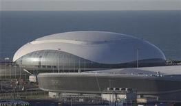 El domo de hielo Bolshoy en el parque olímpico de Sochi, Rusia, dic 9 2012. El complejo turístico ruso de Sochi, ubicado en la costa del mar Negro y sede de los Juegos Olímpicos de invierno del 2014, ha sufrido la explosión de un gasoducto y un sismo moderado, dijo el miércoles una portavoz del Gobierno de Rusia. REUTERS/Pawel Kopczynski