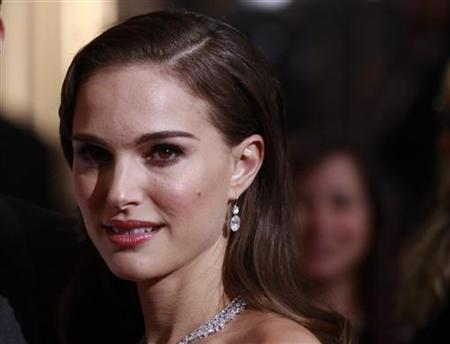 Actress Natalie Portman arrives at the 84th Academy Awards in Hollywood, California, February 26, 2012. REUTERS/Lucas Jackson