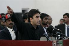 Bilawal Bhutto Zardari, son of assassinated former Pakistani prime minister Benazir Bhutto, makes a speech to launch his political career during the fifth anniversary of his mother's death, at the Bhutto family mausoleum in Garhi Khuda Bakhsh, near Larkana December 27, 2012. REUTERS/Nadeem Soomro
