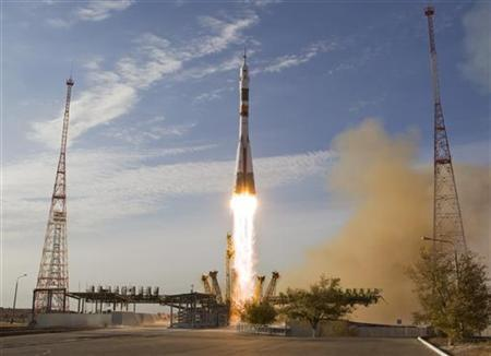 The Soyuz TMA-06M spacecraft carrying the International Space Station (ISS) crew of U.S. astronaut Kevin Ford and Russian cosmonauts Oleg Novitskiy and Evgeny Tarelkin blasts off from its launch pad 31 at the Baikonur cosmodrome October 23, 2012. REUTERS/Shamil Zhumatov/Files