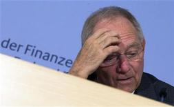 German Finance Minister Wolfgang Schaeuble speaks during a news conference in Berlin November 27, 2012. REUTERS/Thomas Peter (GERMANY - Tags: POLITICS BUSINESS)