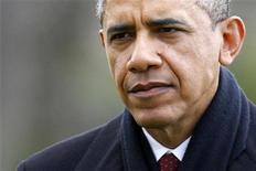 Il presidente degli Stati Uniti Barack Obama ieri al suo arrivo alla Casa Bianca dopo la vacanza natalizia alle Hawaii. REUTERS/Jonathan Ernst